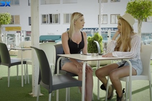 Only3XLost · Alyssia Kent And Mary Monroe Threesome