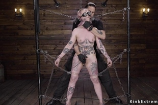 Chained alt slut gets tormented