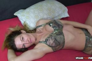 1083119 Vanessa Massages Her Cunt With A Dildo