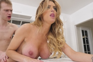 Linzee Ryder · Cheating Housewives 2