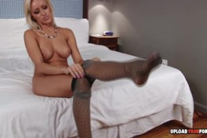 1226048 Perfect Blonde Uses Her Amazing Naked Feet