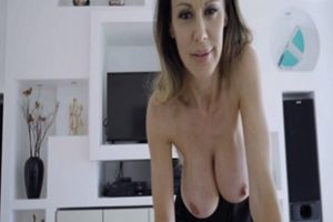 1255308 Stepson Just Cannot Resists His Hot Sexy Stepmom