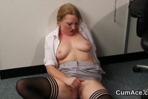 1337243 Hot Centerfold Gets Sperm Shot On Her Face Eating All T2