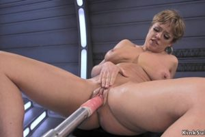 536574 Busty Milf Fucks Anal Machine And Squirts