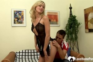 541231 Lucky Guy Gets To Fuck A Horny Blonde