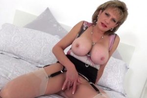 602162 Lady Sonia Playing With Her Big Tits And Fingering