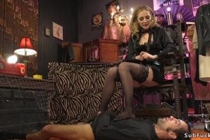 643911 Domme Whipping And Fucking Male Slave