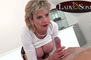 706013 Erotic Massage And Handjob From Lady Sonia