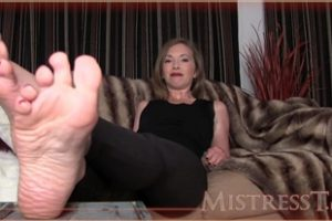 724175 Mistresst My Feet Are Better Than Your Wifes
