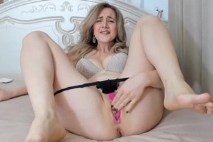 Shaved Pussy Chick Plays With Her Pussy