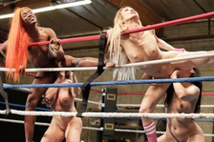 833817 Wrestling Babes Lick Pussies On The Ring